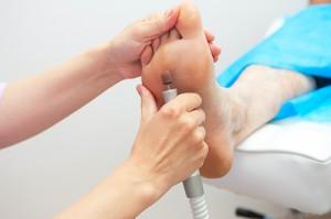 Педикюр на ногах