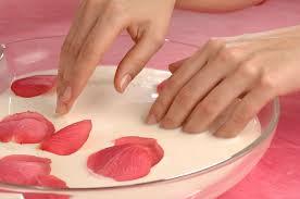 Обязательные процедуры по уходу за ногтями