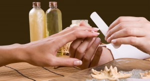 Суть процедуры запечатывания ногтей